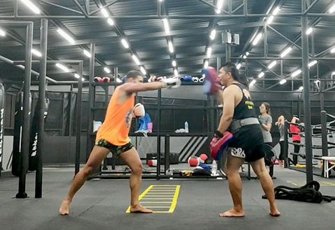 Entrenamiento Muay Thai en Phuket Tailandia